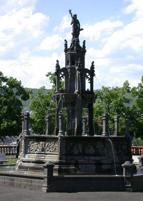 Fontaine place de la Poterne
